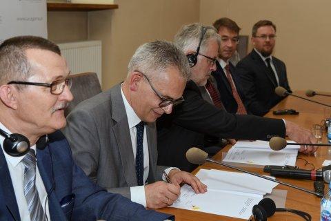 podpisanie aneksu do umowy wł..jpg
